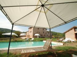 Toscane / Siena / Agriturismo Soggiorno Taverna
